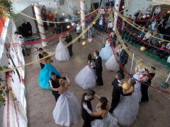b_240_180_16777215_00_images_2015-16-tanev-cikk_066-szalagot-viselni-megtiszteltetes-03.JPG
