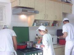 b_240_180_16777215_00_images_bemutatkozas_szakiskola_szakcsok-2.jpg