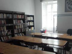 b_240_180_16777215_00_images_bemutatkozas_konyvtar_091-wesley-iskola-konyvtara-02.jpg